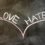 Viha-rakkaussuhde taikuuteen